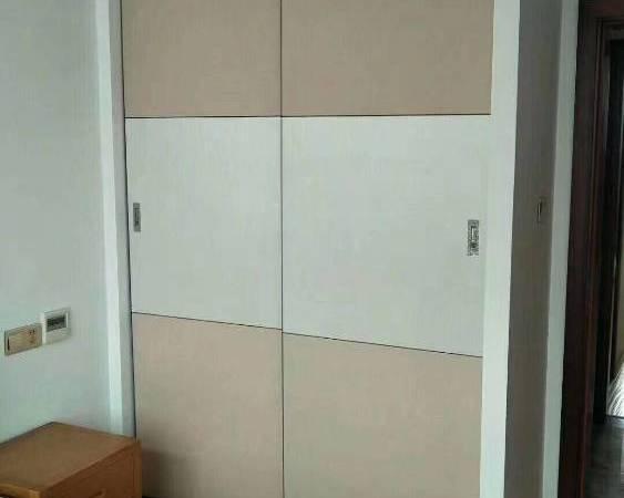 御龙湾2室一储藏室二卫114.6平米198万品牌装修13905728621