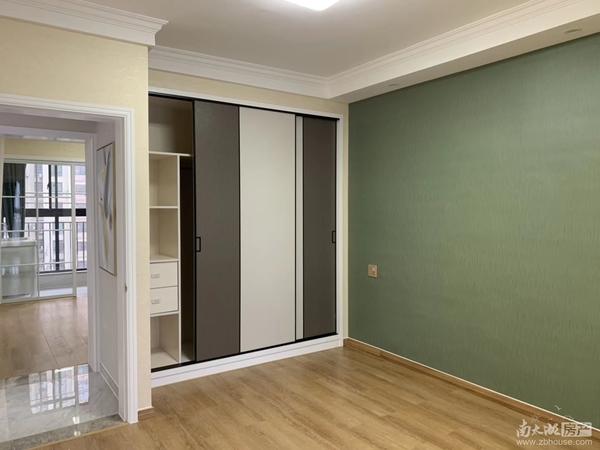 2330出售星汇半岛一期6楼83.8平方两室两厅明厨明卫全新精装修108.8万