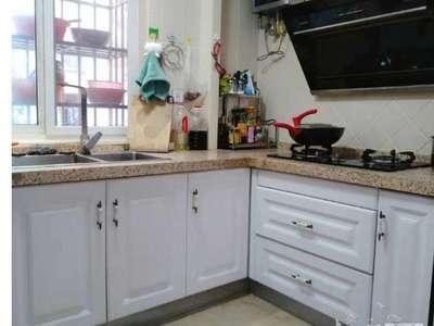 急售,金湖人家一楼,100.88平米,车独立,16年精装,三室二厅明厨卫