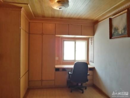 出售东白鱼潭小区4室拎包入住15557270737
