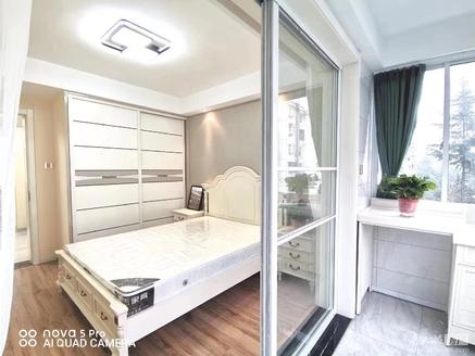 2539金泉花园3楼59平米 全新简约精装修家具齐全二室二厅满2年86.8万