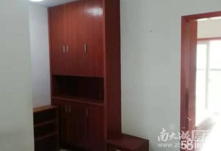 二室二厅,良装,车库13平米