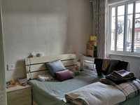 869泰和家园两室一厅标准户型,自住精装独立车库,房东诚心出售