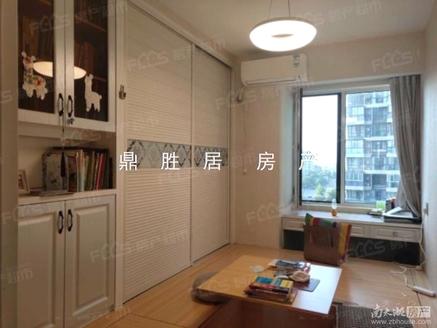 天鸿天际花园 8楼总高33层 119.32平精装215万 爱山小学仁皇校区
