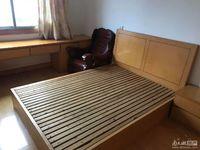 吉山新村 三室一厅 60平 良装修 空,热,彩,冰,洗,床,家具 1500元