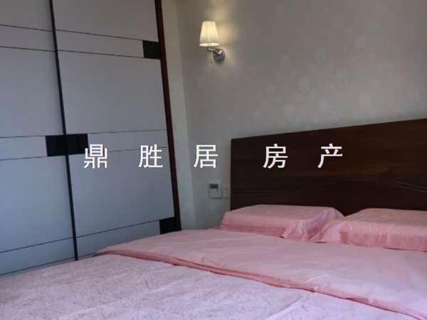 大港御景新城 10楼实用面积140平豪装2室1厅1卫 五中旁