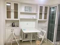 B61 学士府18楼,60平,两室二厅,精装,家电家具齐全,租2500