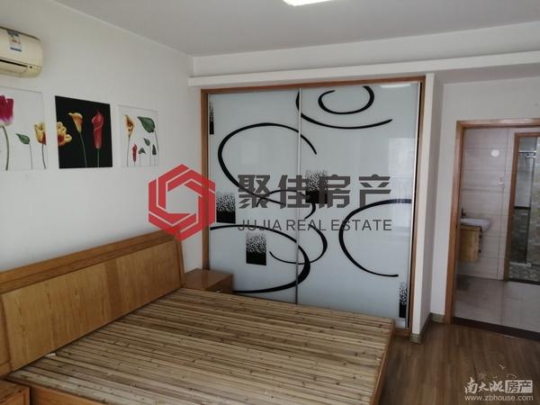 星汇半岛中间楼层两室两厅,居家装修2000/月,有钥匙,13738240404