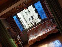 金泉花园4楼, 良好装,1室1厅1卫,有独立车库,1300元/月。