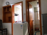 西白鱼潭小区,中等装修一室一厅一卫