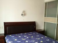 紫云花园车库上一楼 95平 二室二厅 家具家电齐全 2800元/月 良好装修