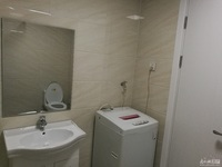山水华府 二室二厅 88平 精装 空,热,彩,冰,洗,床,家具 1350元