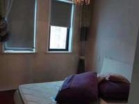 山水华府,115.47平米,精装三室二厅一卫,爱山五中双学区,价格175万。