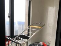 凤凰二村 二室一厅 61.76平 良装 部分家电家具 62万
