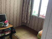 出售:凤凰二村6楼45平一室半,车库独立,精装修,满二年