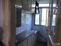 市陌北区着地5楼 两室两厅 简单装修 车库合用 满两年