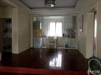 河畔居1楼带院子101平米14年精装3室2厅明厨明卫车库11平米162万