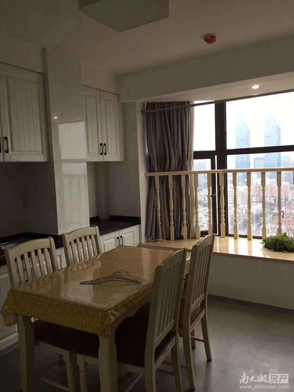 07金色水岸26楼朝南精装一室一厅2500/月