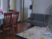 凤凰二村6楼62平2室2厅精装修68万满2年,拎包入住看房方便明厨明卫