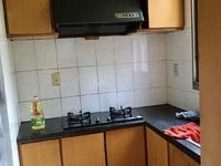 3264 吉山二村2楼/5楼 58平 一室两厅 良好装 家具家电齐1300