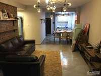 理想城80.07平33楼2室2厅精装修满两年品牌家具家电报价112.8万带车位