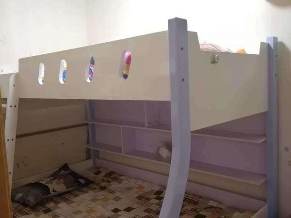 青塘小区,标准套型两室朝南,明厨明卫,南北通透。老精装修,房子比较干净。看房方便