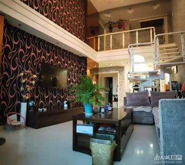 出售,金色地中海二期,5楼带阁楼,137平三室两厅两卫,精装售价210万