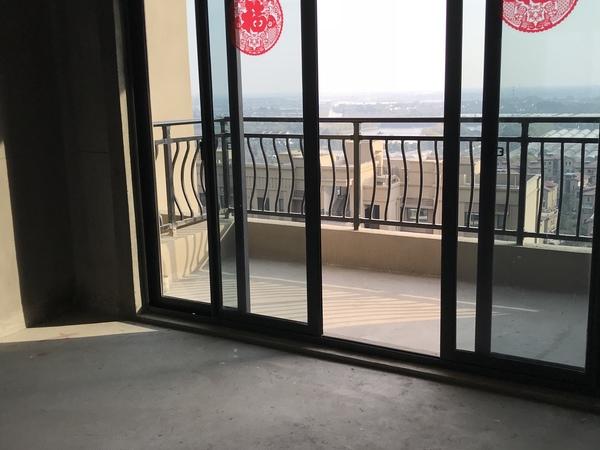 东部新城高铁房,湖光山色视野开拓,户型好品质不错 房东诚意出售 碧桂园楼盘