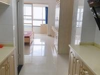 出租景鸿铭城1室1厅1卫45平米2000元/月住宅