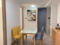 出租:名仕府loft户型3 1房两厅两卫,全新装修,家电家具齐全,拎包入住