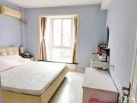 出售 阳光城4 5楼 102平方 价156万 车库独立 精装 三室二厅一卫