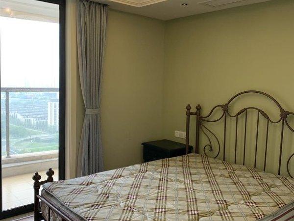 出租万锦 九月洋房1室1厅2卫66平米2000元/月住宅