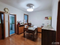 二室二厅,良装,车库8平米