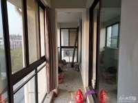 出售:绿色家园5楼带阁楼182平,216万,汽车库15万,满5年,爱山学区房