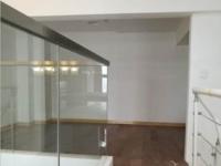 凤凰明珠 二室一厅 52平 精装 空,热,彩,冰,洗,床,家具 2400元