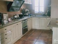 剑桥名门 4F 4 5室2厅2卫1台0厨 206方 精装 270万