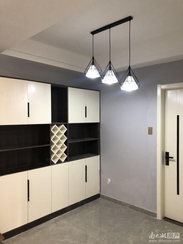 出租王家漾2室1厅1卫,精装修,家电家具齐全,车库上的一楼,光照充足