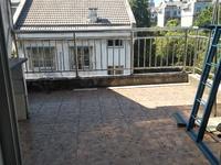 稀缺三楼带阁楼三室二卫带阳台居家良好装修车库装修好改建厨房满二年有钥匙随时看
