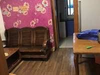 华丰二期 二室一厅 54平 良装 空,热,彩,冰,洗,床,家具 1500元