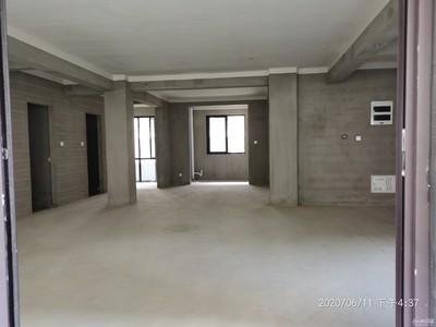 双学区悦山湖毛坯四室二厅户型好位置佳