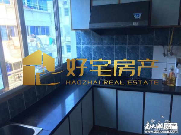 环东花园:出售优质房源,2室2厅1卫,现代装修,超大阳台,车库独立