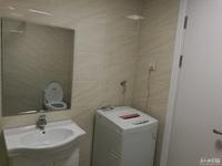 山水华府 二室二厅 88平 精装 空,热,彩,冰,洗,床,家具 2600元