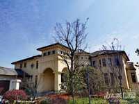 美泉宫三层排屋出售,带一层地下室,看房方便