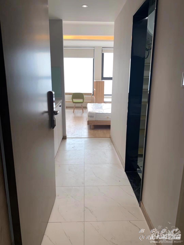 市中心 单身公寓 精装修 家电齐全 拎包入住