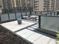 万达旁排屋面积170.43平地下室112平花园有180平 东边套