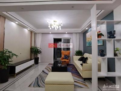 凯莱国际 三室二厅豪装带大院子