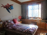 紫云小区4楼66平两室2厅简单装修满2年两室朝南86.8万看房方便阳光好