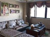 灏庭 10楼 133平 赠8平 3室1书房2厅2卫 2015年婚装 190万