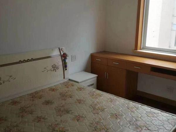 米兰花园 二室二厅 93平 精装 空,热,彩,冰,洗,床,家具 2600元