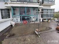 仁皇山庄3楼3室2厅114平送露台,普通装修218万,独立自行车库学位在